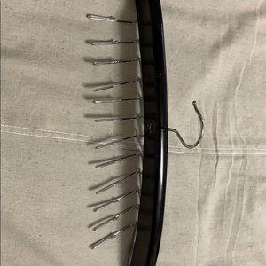 Storage & Organization - Tie/belt hanger